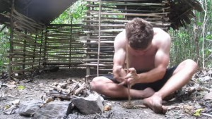ormanda ev yapan adam