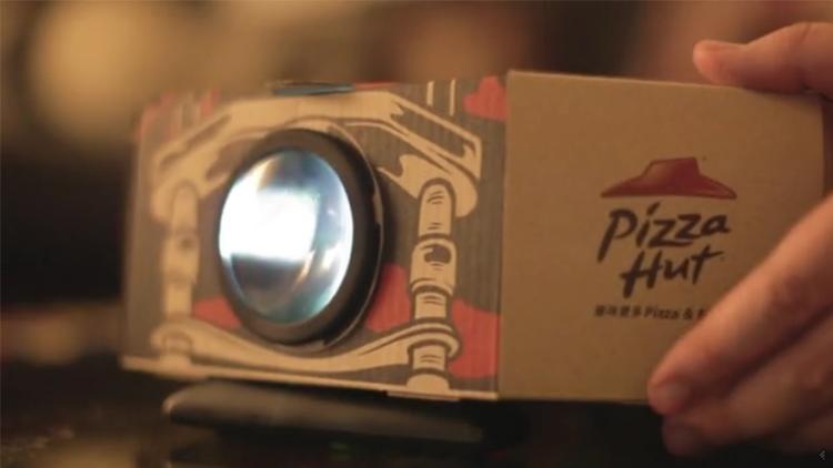 Pizza Hut'ın Projeksiyona Dönüşen Pizza Kutusu