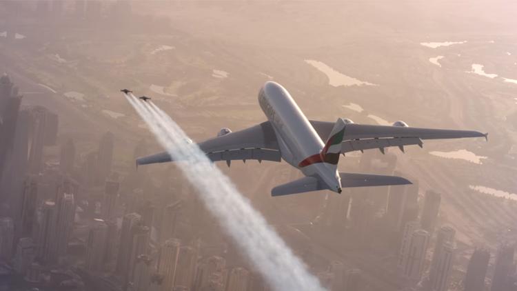 Uçan Adamlar Uçakla Dans Ediyor Emirates