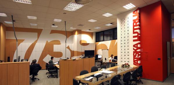 wall-typography-office-36